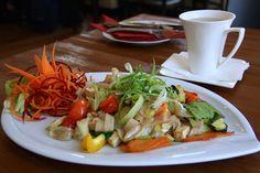 Pho 33 - Nudel-Gericht | STADTBEKANNT | Das Wiener Online Magazin Pho, Tacos, Mexican, Meat, Chicken, Ethnic Recipes, Restaurants, Pasta Meals, Easy Meals