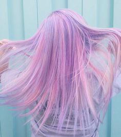 Lavender Candy Pearlesence Hairstyle - http://ninjacosmico.com/32-pastel-hairstyles-ideas/