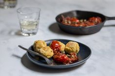 Yellow split pea fritters with capers dip - Eat Yourself Greek Pea Fritters, Grilled Octopus, How To Dry Oregano, Cherry Tomatoes, Food Print, Food Processor Recipes, Dips, Tomato Vine, How To Cook Beans