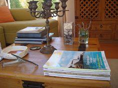 La Casa de la Laguna: Decorando con libros y revistas