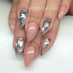 nails stilleto