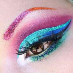 Pinky Mermaid shadow