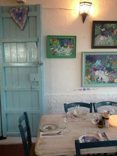 I'm partial to turquoise, so I think it's the perfect, cheerful color for this old dining room. Ibiza Restaurant, Rent A Villa, Ibiza Formentera, Ibiza Beach, Ibiza Fashion, Best Hotel Deals, Vintage Colors, Kitchen Dining, Dining Room