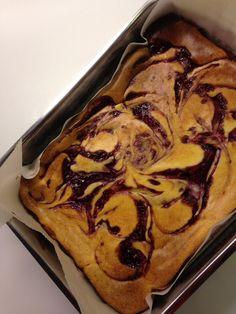 Raspberry swirl cheese cake