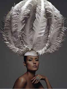 Zoe Bradley Funky Hats, Crazy Hats, Paper Fashion, Fashion Art, Origami Fashion, Fashion Trends, Body Adornment, Recycled Fashion, Love Hat