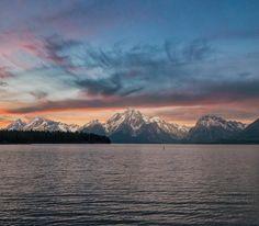 As the sun sets Grand Teton National Park [OC] [1200 x 1048] #reddit