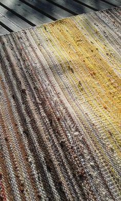 Kilim Rugs, Rag Rugs, Knit Mittens, Loom Weaving, Woven Rug, Basket Weaving, Color Inspiration, Carpet, Wallpaper