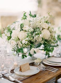 30 Stunning Ways to Infuse your Wedding with Greenery – Chic Vintage Brides : Chic Vintage Brides - White Wedding With Greenery Centerpieces Greenery Centerpiece, Low Centerpieces, Centrepieces, White Flower Centerpieces, Quinceanera Centerpieces, Green Wedding, Floral Wedding, Summer Wedding, Mauve Wedding