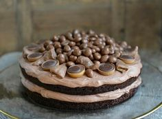 Black Magic Cake - en fantastisk god sjokoladekake - Francisco& Beautiful World, Baking Recipes, Cake Recipes, Dessert Recipes, Chocolate Desserts, Chocolate Cake, Magic Chocolate, Black Magic Cake, Norwegian Food, Scandinavian Food