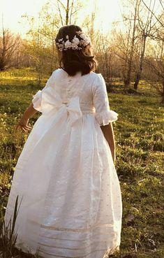 Nice Dresses, Flower Girl Dresses, Communion Dresses, First Communion, Your Girl, Dress For You, Wedding Dresses, Outfits, Clothes