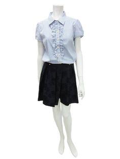 Clear impression 細格紋襯衫 NT$3,980 印花褲裙 NT$4,980