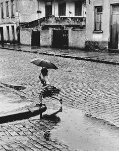 """""""Menina na Chuva"""", de 1951 ©German Lorca/Reprodução"""