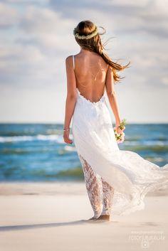 perfect backless bride wedding dress - beach wedding