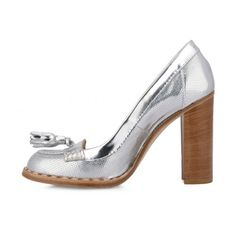Elegant punched patent leather high-heeled shoes with tassels. Visible stitching on leather welt. Leather and rubber sole. Women's Pumps, Pump Shoes, Metallic Heels, Patent Leather, Peep Toe, Woman, Glass, Silver, Fashion