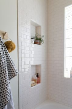Simple White subway tile bathroom // Jillian Harris New House Inspiration love the niches Upstairs Bathrooms, Basement Bathroom, Attic Bathroom, Master Bathrooms, Dream Bathrooms, Master Baths, Luxury Bathrooms, Bathroom Cleaning, Bathroom Interior