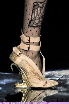 crazy shoes  - francesco scognamiglio - Racy 'n' Lacy!