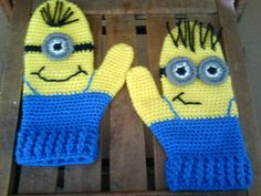 Minion Mittens  CROCHET PATTERN