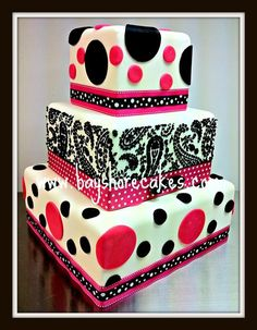 I love this cake, it's funky and classy all at the same time.