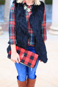 black fur vest with plaid & jeans Fur Vest Outfits, Preppy Outfits, Cute Outfits, Fall Winter Outfits, Autumn Winter Fashion, Winter Style, Holiday Fashion, Fall Fashion, Plaid Jeans