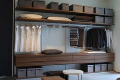 wardrobe layout//