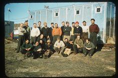 Mawson 1957 Bernard Izabelle assis à droite