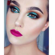 Makeup Geek Contour Powders in Bad Habit and Half Hearted + Makeup Geek Eyeshadows in Cocoa Bear, Corrupt, Frappe, Mermaid and Pixie Dust + Makeup Geek Full Spectrum Eye Liner Pencil in Ocean. Look by: Anna Szwoch