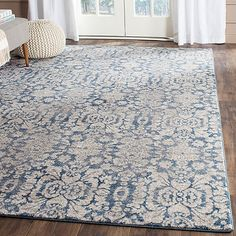 $301 - Safavieh Sofia Collection Damask Rug in Blue