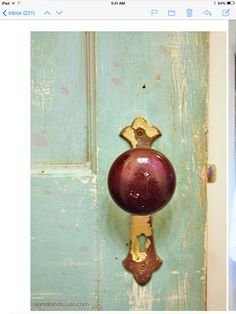 Door color. Door knob is pretty too.