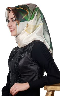 Turkish Fashion, Just Smile, Silk Scarves, Scarf Styles, Cowl Neck, Headscarves, Beautiful Hijab, Niqab, Shawl