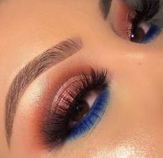 Bottom Lash Blue Eyeshadow Bottom Lash B Blue Eyeshadow Blau Blue Boden Bottom Eyeshadow Lash Lidschatten Wimpern Makeup Eye Looks, Blue Eye Makeup, Smokey Eye Makeup, Pretty Makeup, Simple Makeup, Eyeshadow Makeup, Eyeshadow Ideas, Blue Eyeshadow Looks, Eyeshadow Palette