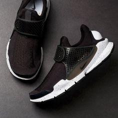 cf2b4c2cfbca Nike Sock Dart SE (Black White)  130