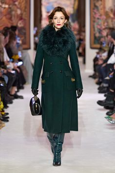 Lanvin Fall 2020 Ready-to-Wear Fashion Show - Vogue Fashion Week Paris, Fashion 2020, Runway Fashion, High Fashion, Gothic Fashion, Collection Couture, Fashion Show Collection, Lanvin, Modest Fashion