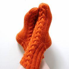 Ravelry: April socks pattern by Niina Laitinen Knitting Socks, Hand Knitting, Knitting Patterns, Ravelry, How To Start Knitting, Boot Cuffs, Knitting Accessories, Hand Warmers, Handicraft