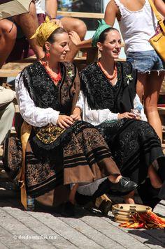 San Roque Llanes. Fiestas tradicionales de Llanes. [Más info] www.desdeasturias.com/las-fiestas-tradicionales-de-llanes/ Asturias Spain, Dancer, Traditional, Mens Fashion, Costumes, People, Inspiration, Clothes, Dresses