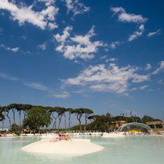 Eingebettet in die einzigartige Landschaft der Toskana liegt unser Platz Park Albatros. FamilyExtra gibt es bei einem Aufenthalt mit Canvas Holidays hier inklusive. http://www.canvasholidays.de/italien/toskana-rom/to06y/park-albatros