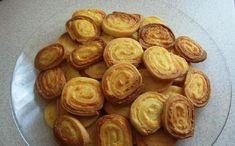 Illéskrisz Konyhája: ROPOGÓS SAJTOS CSIGA Minion, Sprouts, Almond, Muffin, Vegetables, Breakfast, Food, Morning Coffee, Muffins
