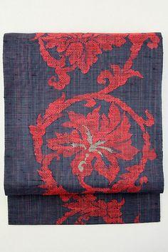 Black  Nagoya Obi, Crimson Red Weaved Flower Pattern / 黒地 紅赤色織りの花唐草柄 六通八寸名古屋帯   【リサイクル着物・アンティーク着物・帯の専門店 あい山本屋】#Kimono #Japan