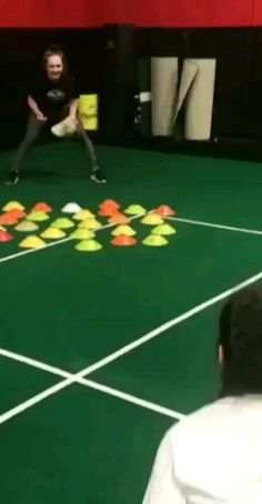 LOVE😍 This Bad Hop Drill! - LOVE😍 This Bad Hop Drill! You never know where the ball might go – this is a great way to practice catching ground balls on even the worst of hops! Softball Pitching Drills, Softball Workouts, Softball Memes, Softball Crafts, Softball Coach, Softball Players, Girls Softball, Fastpitch Softball, Baseball Coaches