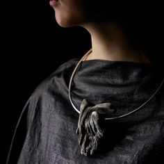 Linda van Niekerk Neckpiece: Dove Adrift Torque, 2014 Tasmanian Wilderness Driftwood, Sterling silver Image : Peter Whyte