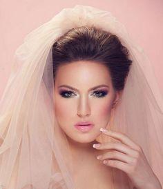 5 Tips on Choosing Wedding Makeup Colors