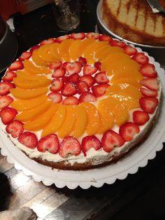 Cake con crema chantilly y frutas ! Preparado por Chef Blanca Positano.