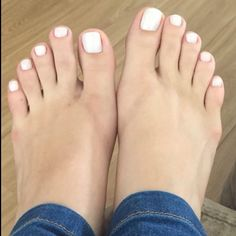 Toe Nails White, White Toes, Beautiful Toes, Pretty Toes, Feet Soles, Women's Feet, Toe Polish, Feet Nails, Sexy Toes