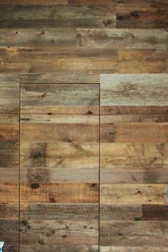 Apply on wood to protect it against aging, water infiltration, stains, etc.
