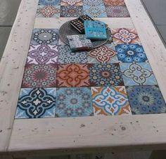 Υπέροχα Τραπέζια Διακοσμημένα Με Πλακάκια Και Μωσαϊκό