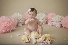 Cake Smash Session | pink & White |  girl  cake smash ideas | Flowers | Simple | www.PaigeLaroPhotography.com