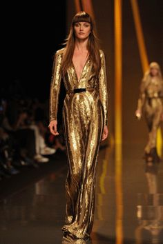 Elie Saab... Reminds me of a Casino Sharon Stone meets Scarface's Michelle Pfeiffer.