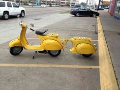 Be amazed with tbest vintage motorcycles of all times: Vespa Piaggio Vespa, Scooters Vespa, Lambretta Scooter, Scooter Motorcycle, Motor Scooters, Motorcycle Posters, Motorcycle Shop, Moto Bike, Motorcycle Outfit
