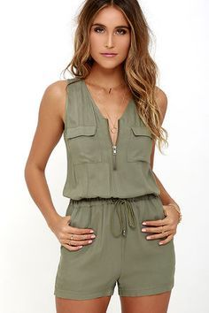 Feeling breezy and beautiful will come naturally to whoever has the Olive & Oak Set Free Olive Green Romper! Soft and light woven rayon sweeps over a sleeveless bodice (with patch pockets) to a zippered neckline, and tying drawstring waist. Mode Outfits, Casual Outfits, Summer Outfits, Fashion Outfits, Girl Outfits, Rompers Women, Jumpsuits For Women, Fashion Mode, Womens Fashion