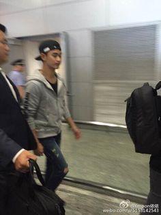 awesome Kim Soo Hyun - Pudong International Airport, Shanghai. Kim Soo-hyun returned home to Korea. (30/08/2015) Check more at http://kstarwiki.com/2015/09/04/kim-soo-hyun-pudong-international-airport-shanghai-kim-soo-hyun-returned-home-to-korea-30082015/