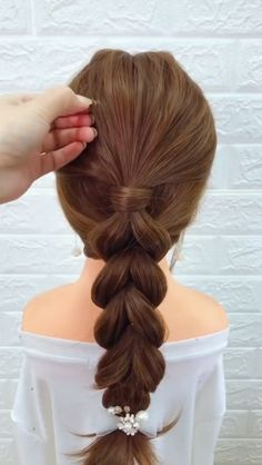 15 Simple Summer Hairstyles for Long Hair - Pingstyles Face Shape Hairstyles, Cool Braid Hairstyles, Summer Hairstyles, Simple Hairstyles, Pretty Hairstyles, Ponytail Hairstyles Tutorial, Easy Hairstyle, Cool Braids, Braids For Long Hair